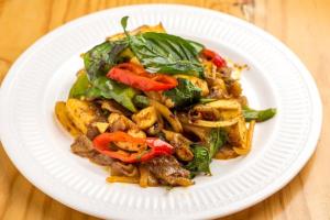 Pad Kee Mao Noodle - delivery menu
