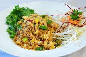 70. Chan Pad Poo Noodles - delivery menu