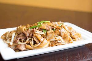 859. Stir-Fried Beef Flat Rice Noodle - delivery menu