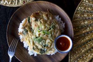 Kai Jiew Rad Khao - delivery menu