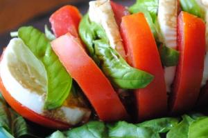 Fresh Mozzarella and Tomato - delivery menu