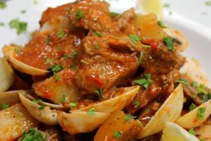 Carne de Porco a Alentejana - delivery menu