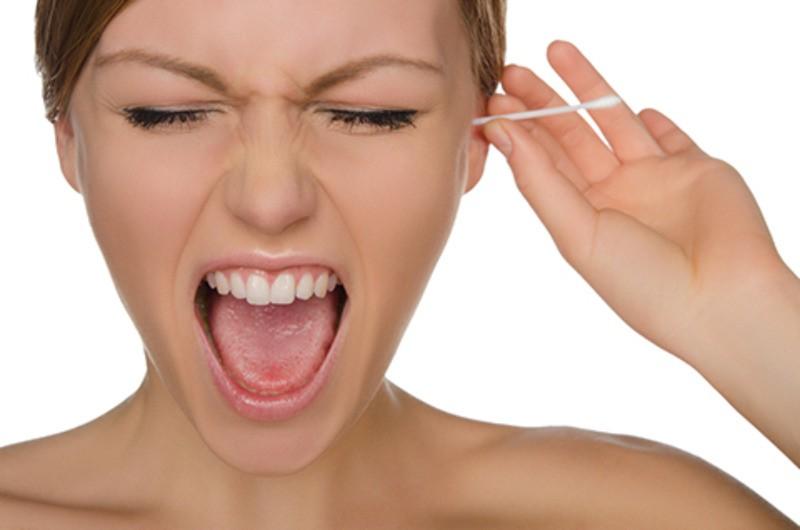cleaning-ears-76_qts3zd Membersihkan Kotoran Telinga dan Frekuensinya Health Life