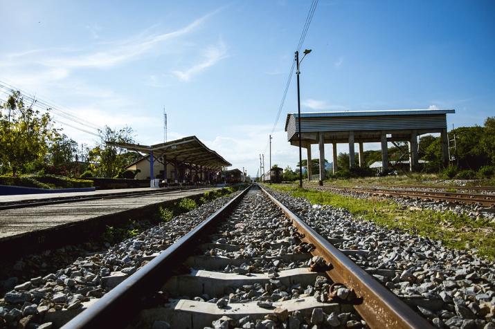 Rel%20kereta Mari Traveling Dengan Kereta LifeStyle Tips Travelling Travel