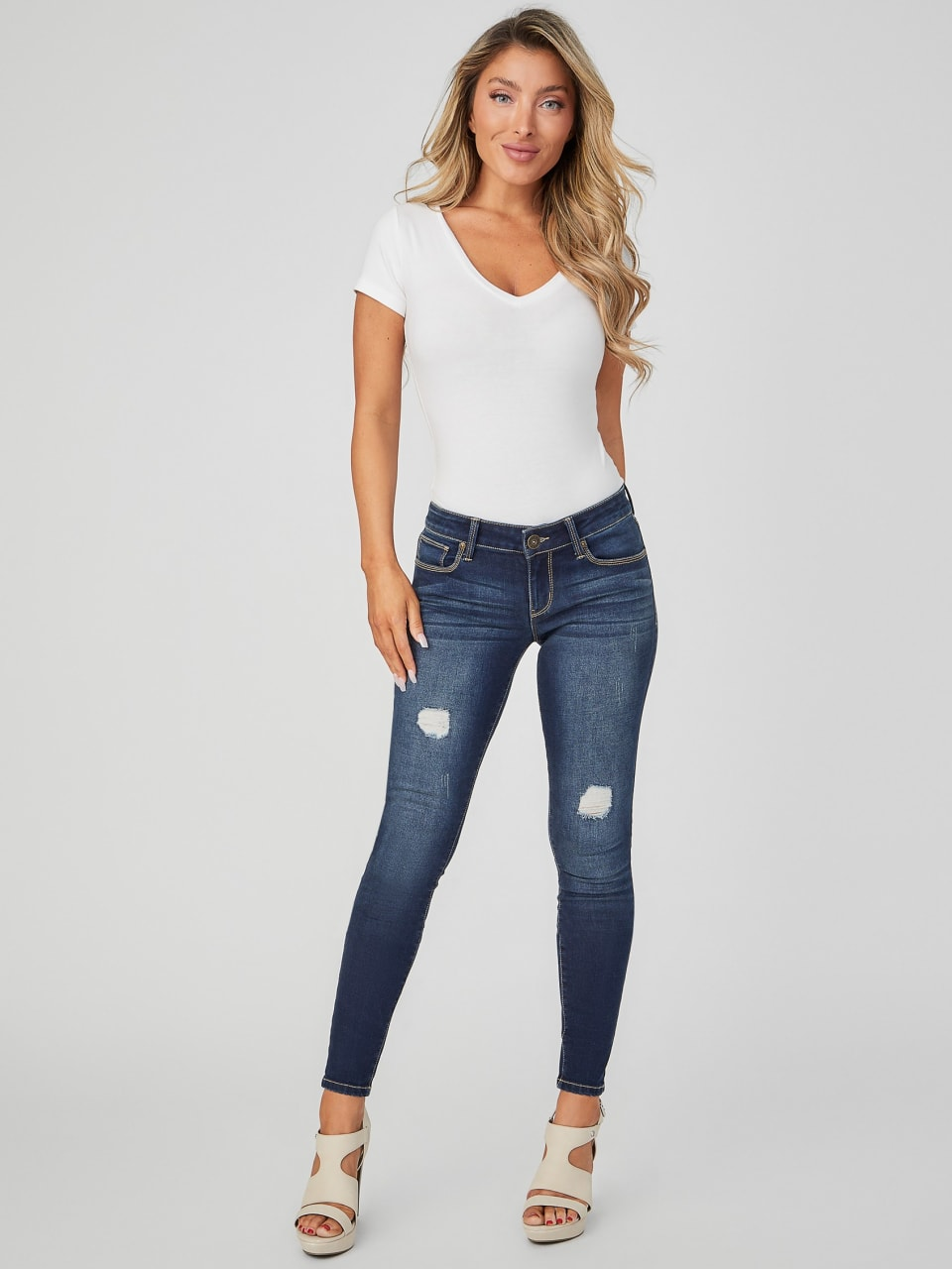 GUESS-Factory-Women-039-s-Sienna-Distressed-Curvy-Skinny-Jeans thumbnail 6
