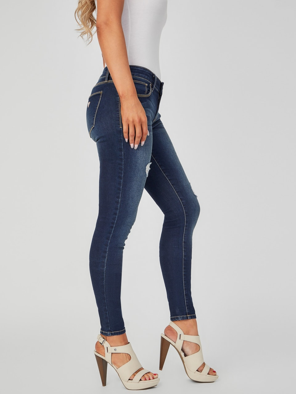 GUESS-Factory-Women-039-s-Sienna-Distressed-Curvy-Skinny-Jeans thumbnail 7