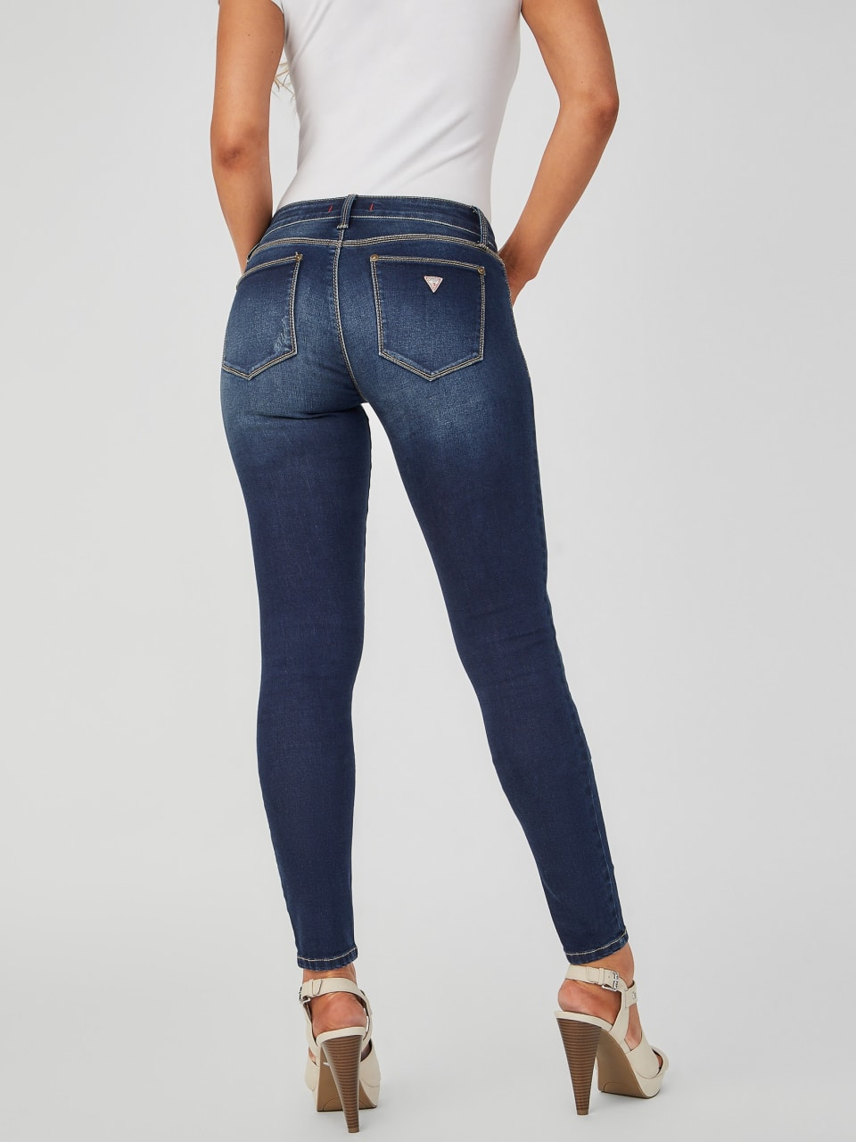 GUESS-Factory-Women-039-s-Sienna-Distressed-Curvy-Skinny-Jeans thumbnail 8