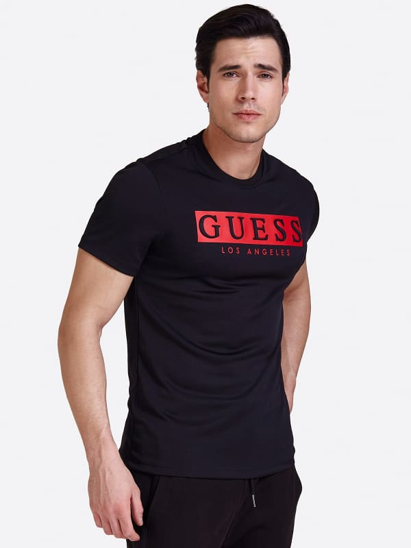 T-Shirt Print Logo Vorn   Bekleidung > Shirts > T-Shirts   Guess