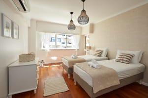Oceanario 2 Bedroom Apartment - Sea View and Pool