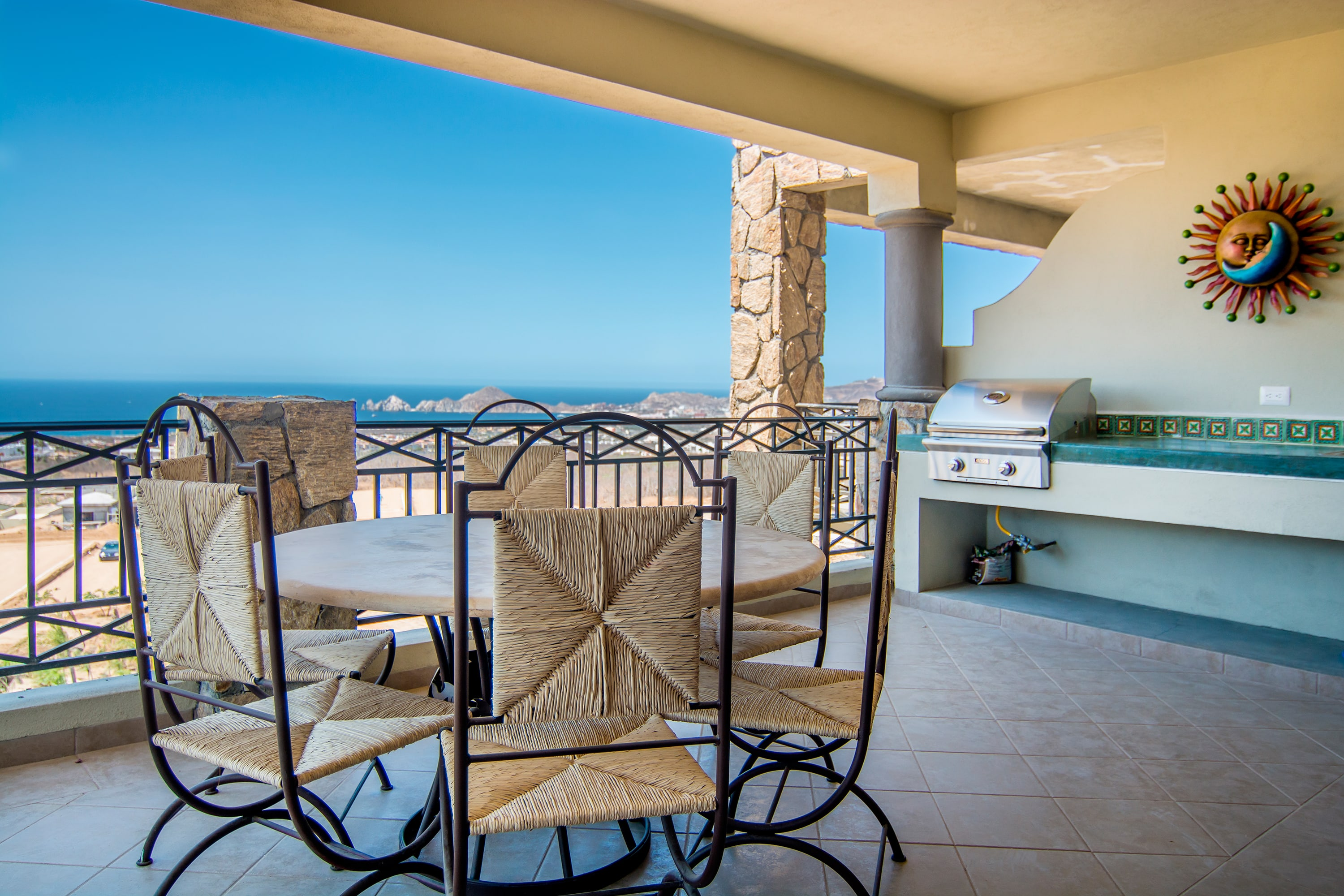 Spectacular View and Luxury Condo, 3BR Sleeps 10