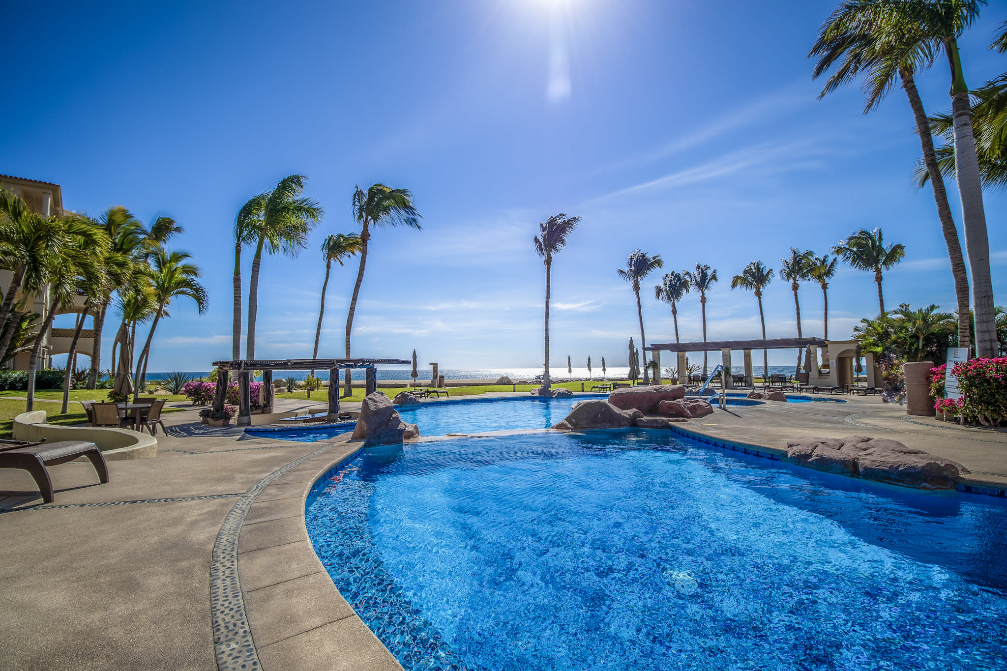 Beautiful Oceanfront 2-Bedroom! Close to San Jose del Cabo downtown...