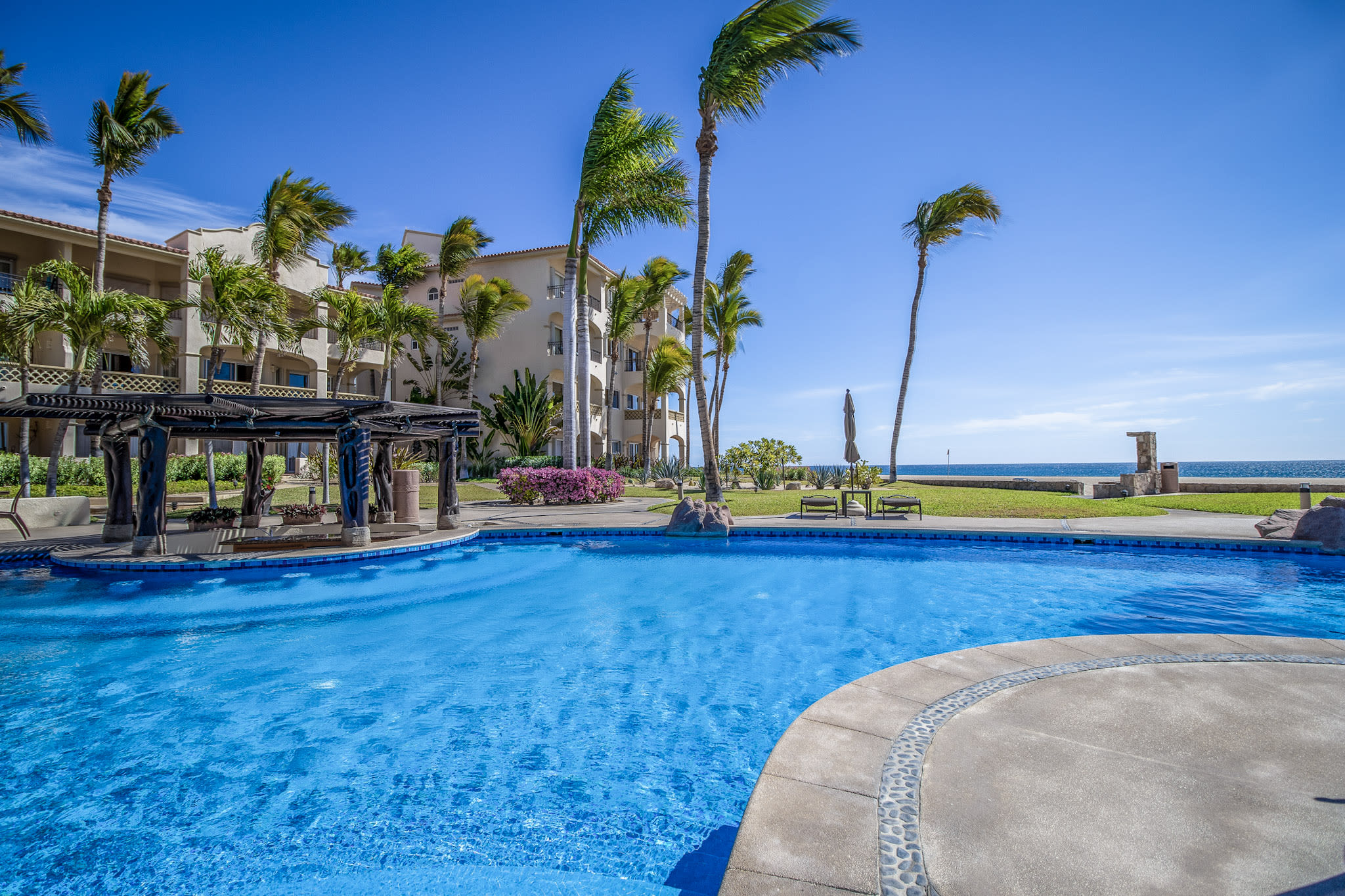 TRUE BEACHFRONT 3BR! POOLSIDE! BEST LOCATION! MINUTES TO DOWNTOWN SAN...