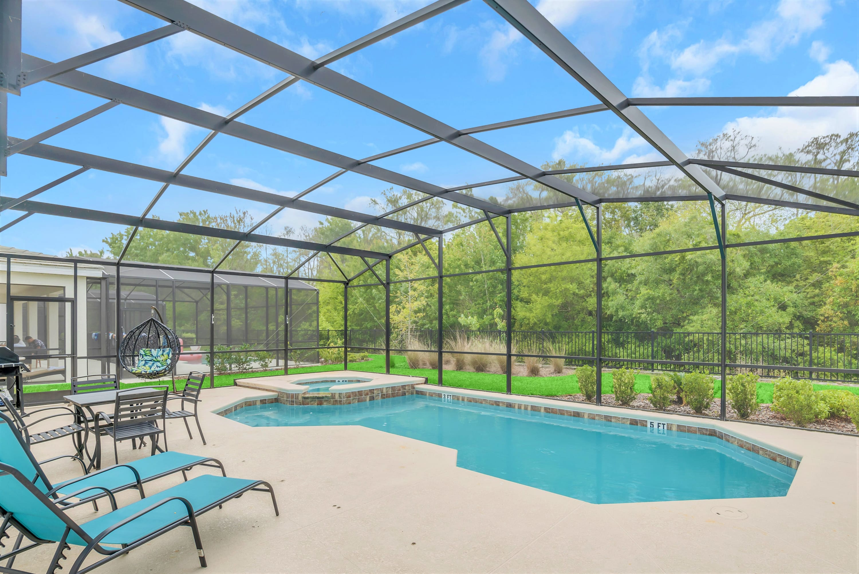 6BR Resort Home - Near Disney - Private Pool and Hot Tub!