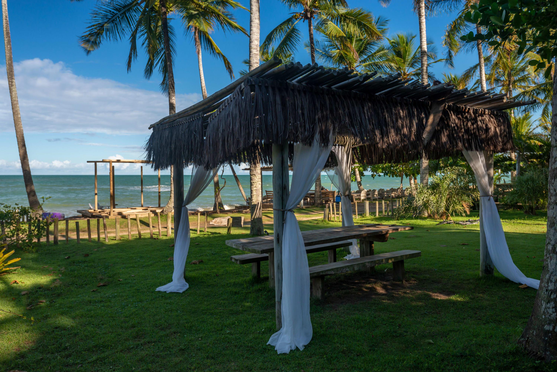 Jóia na Praia do Espelho, com lindo jardim  Ferienhaus in Brasilien