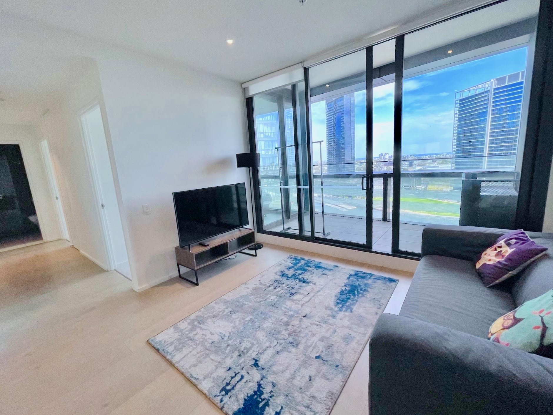 Brilliant Waterfront 3B Apartment Free tram &Parking Netflix & Foxtel