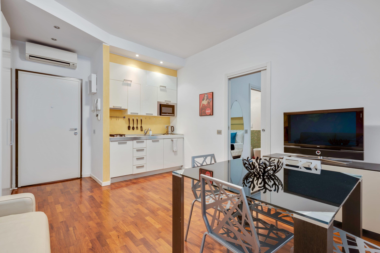 Amazing apartment in Pta Venezia 10 mins Duomo by Easylife