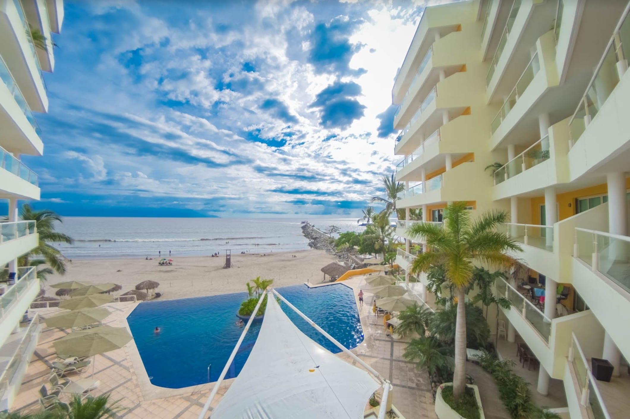 Nuevo Vallarta Ocean Front 3 Bedroom spacious condo! Breathtaking view!