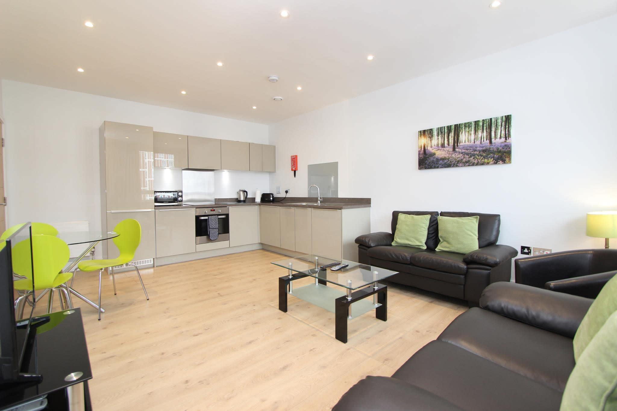 Stylish 2 Bedroom Apartment Central Bracknell