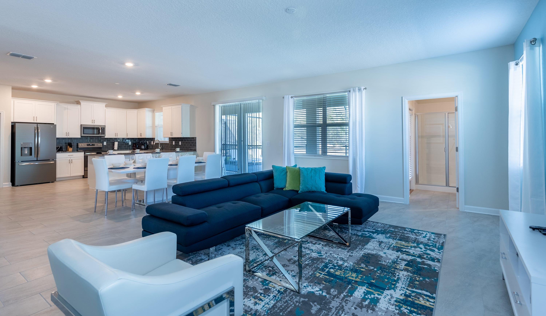 Spacious 6 bedroom home, best location
