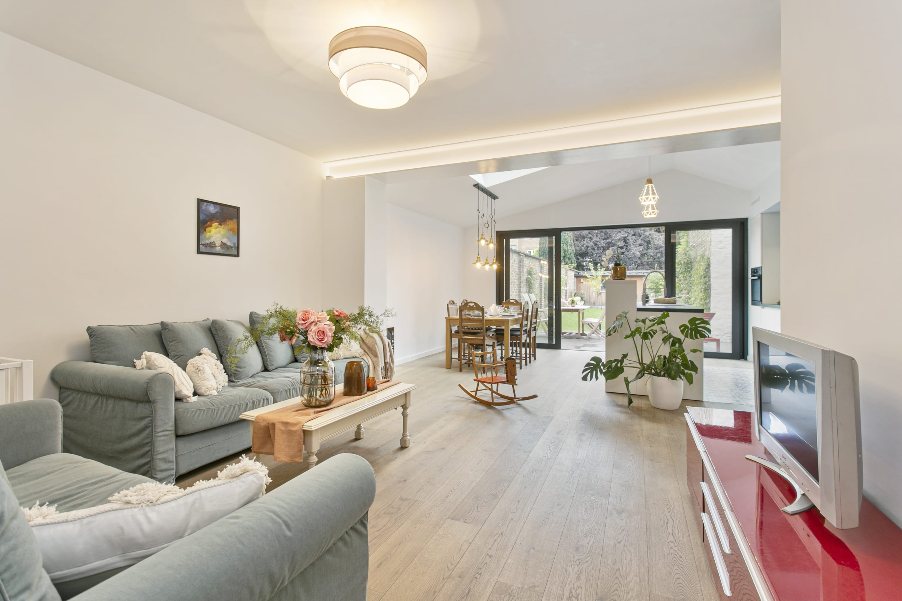 Magnificent town house with garden in the center of Bruges