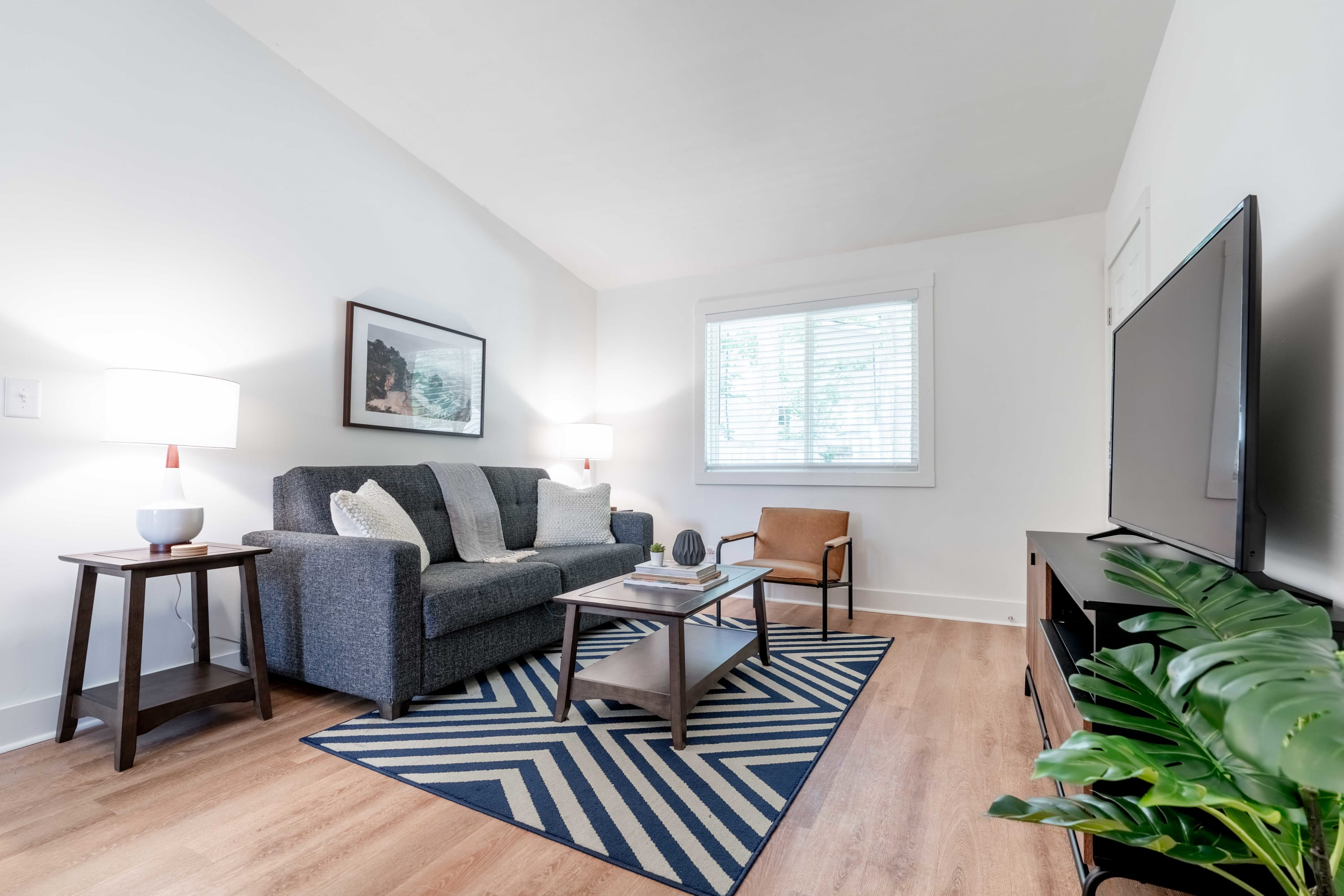 West Home - Charming and Cozy 2x1 Apartment in Buckhead with New Gym!