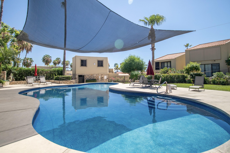 * Warm & Cozy* 1Bed Condo Close to EVERYTHING! Your Los Cabos home...