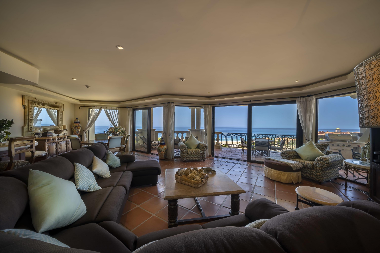 Instaworthy Views DECEMBER! - Penthouse Aurora/Beach Club/Luxury...