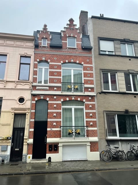 Fabulous duplex apartment in a recently renovated town house