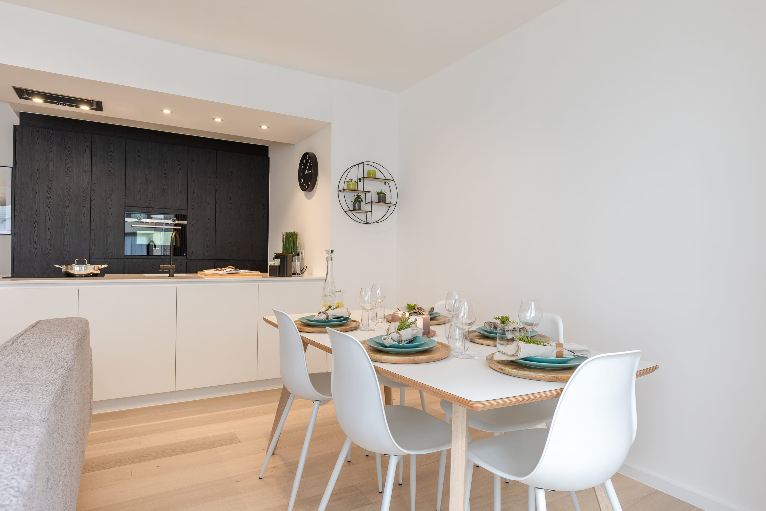 Recently renovated, luxurious apartment nearby the beach in Mariakerke