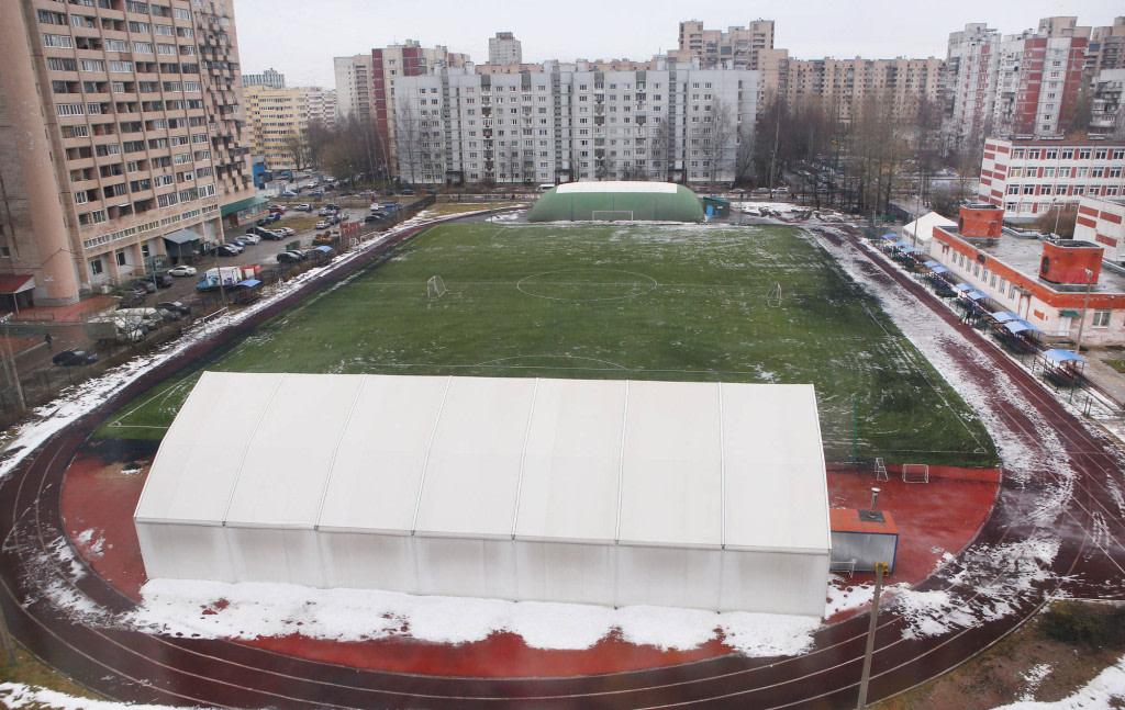 Стадион СШ №2 Василеостровского района — фотография 3