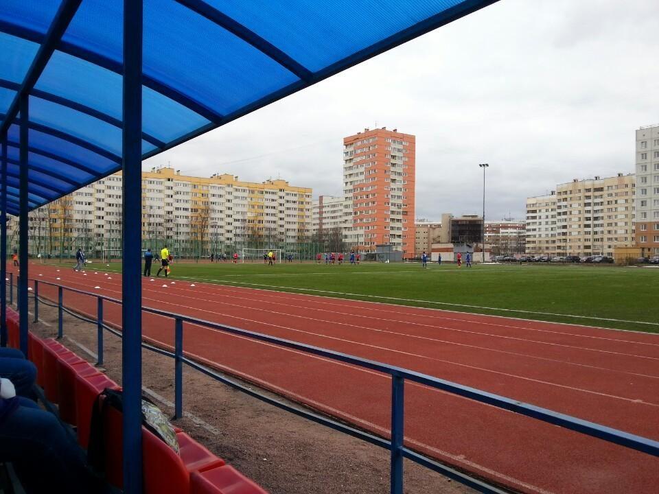 Стадион СШОР Кировского района — фотография 6