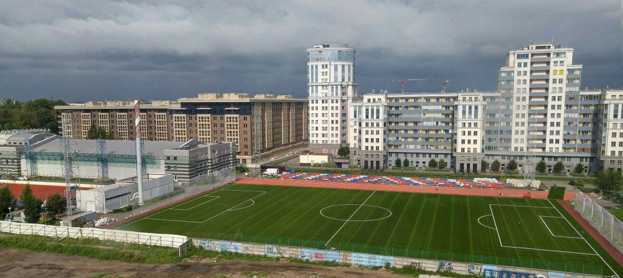 Стадион центра спорта Василеостровского района — фотография 4