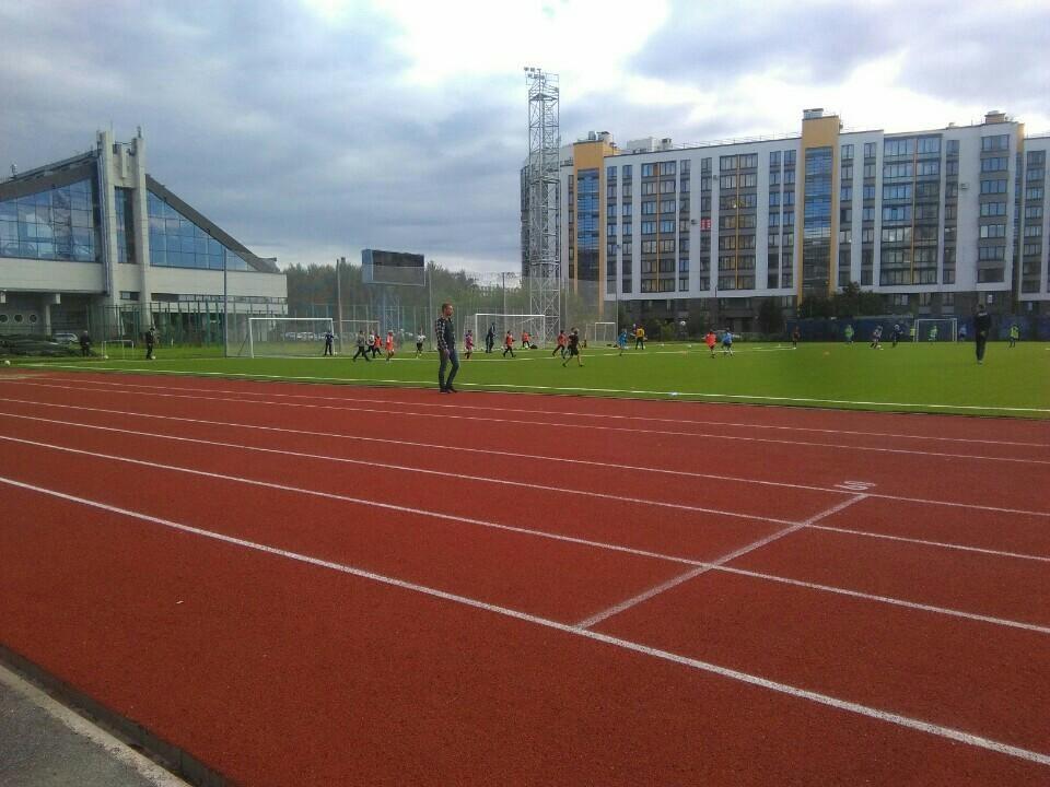 Стадион центра спорта Василеостровского района — фотография 1
