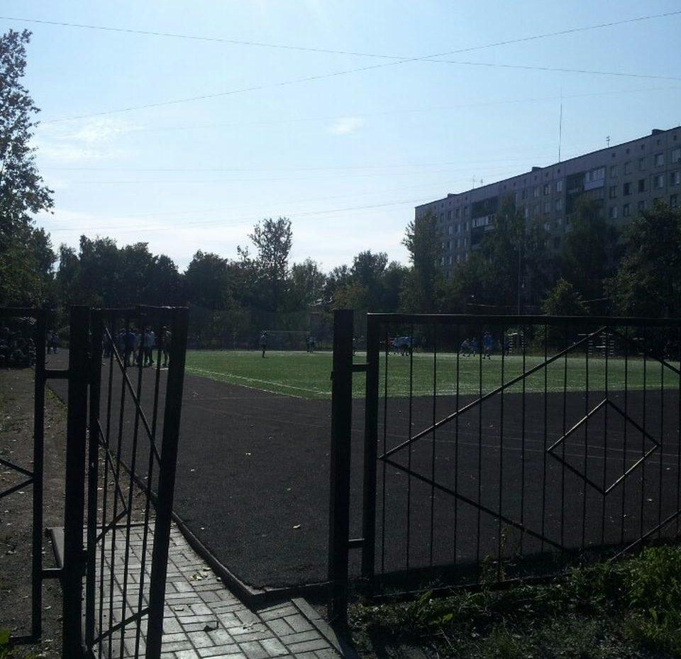 Стадион школы 237 — фотография 3
