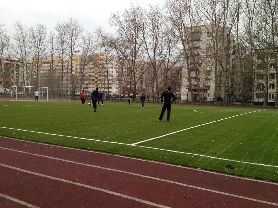 Стадион школы 383 — фотография 3