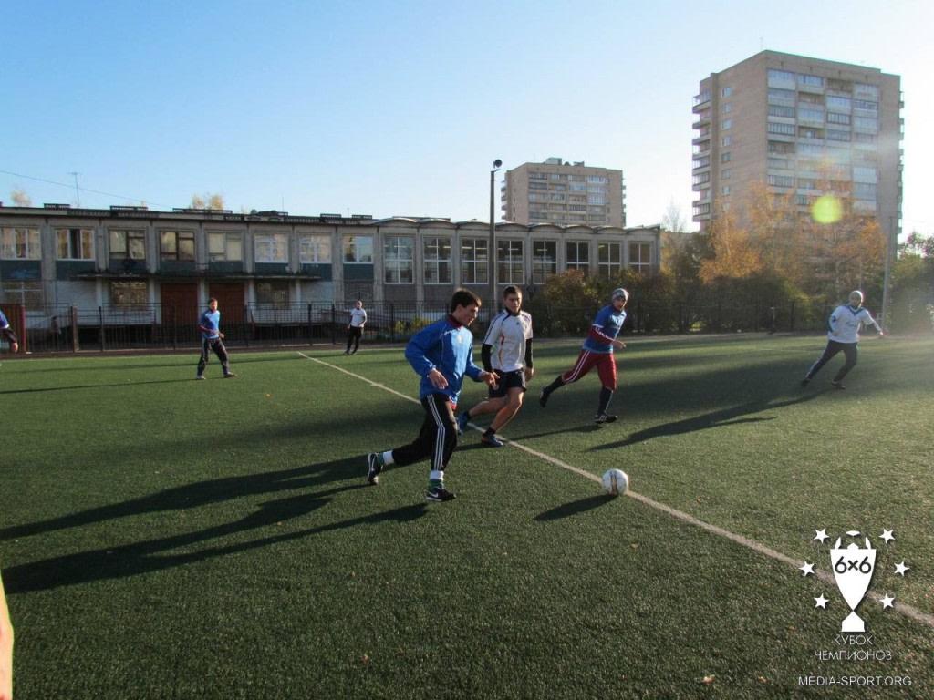 Стадион школы 332 — фотография 1