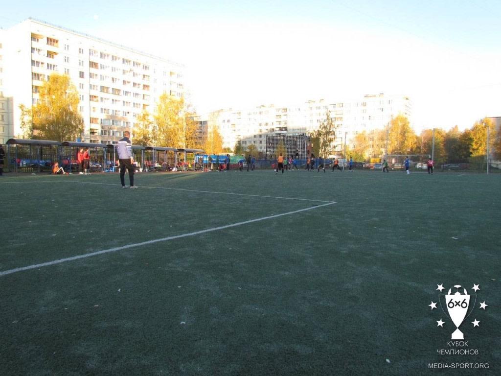 Стадион школы 332 — фотография 2