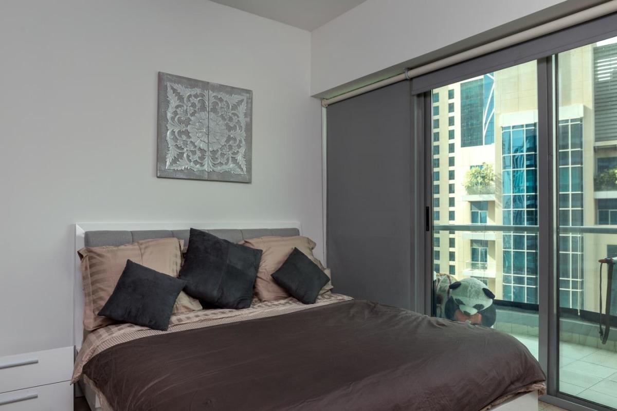 New Listing | Full Marina Views | 1 Bed