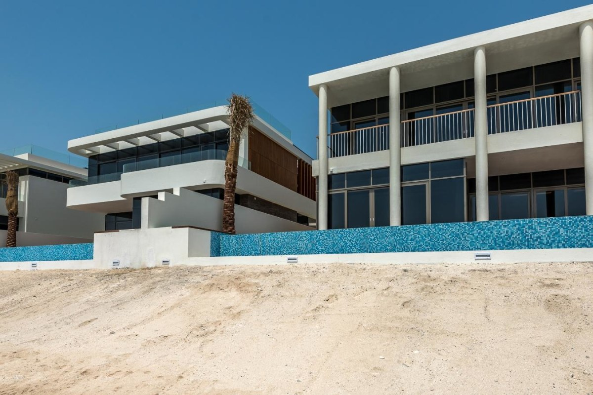 Brand New Custom High Spec Palm Villa