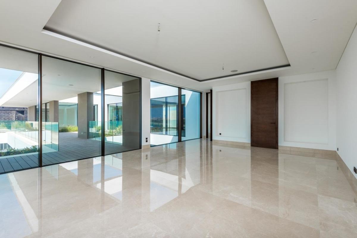 Designer Contemporary  Family  Mansion