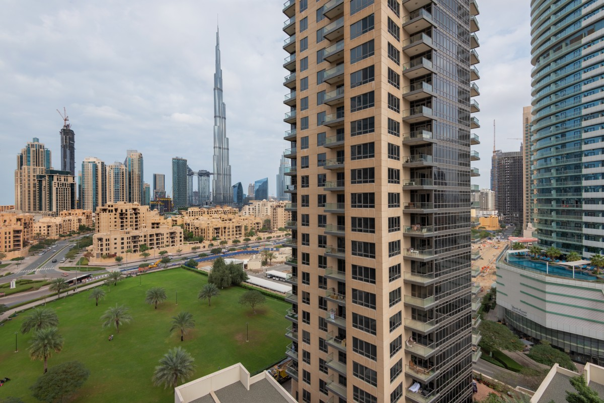 NEW LISTING | BURJ VIEW | LARGE LAYOUT .