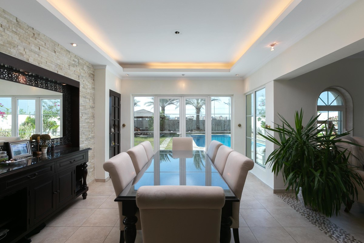 Immaculate Extended 3 Bed   Private Pool