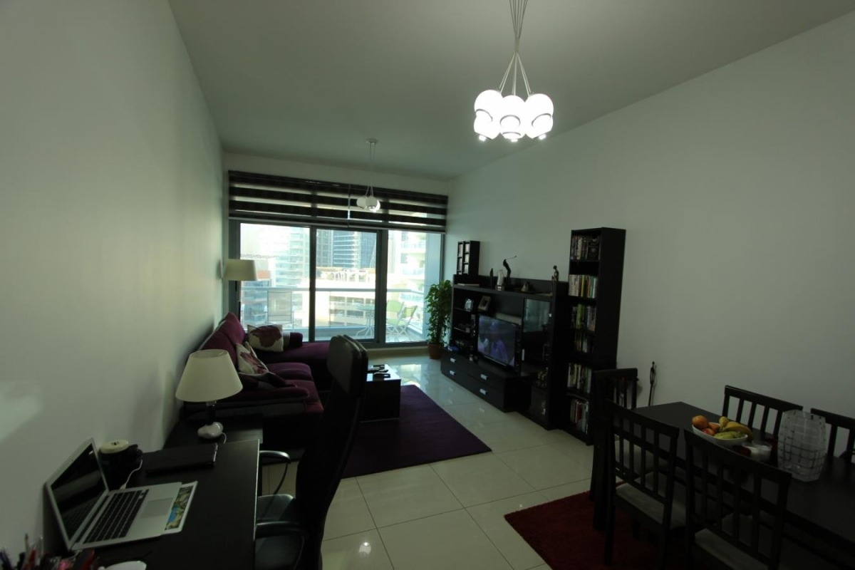2 Bed Apartment with Swimming Pool Views