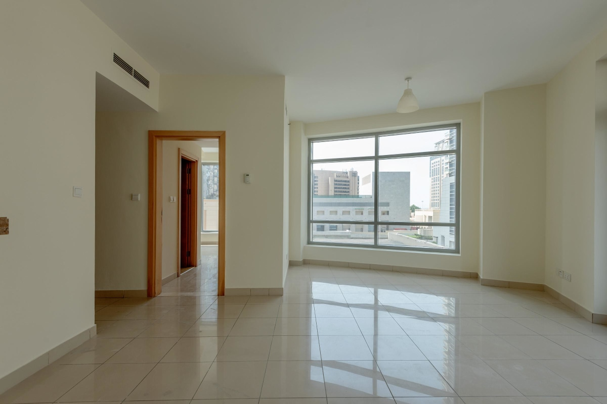 Bright One bedroom Unit | Great Deal