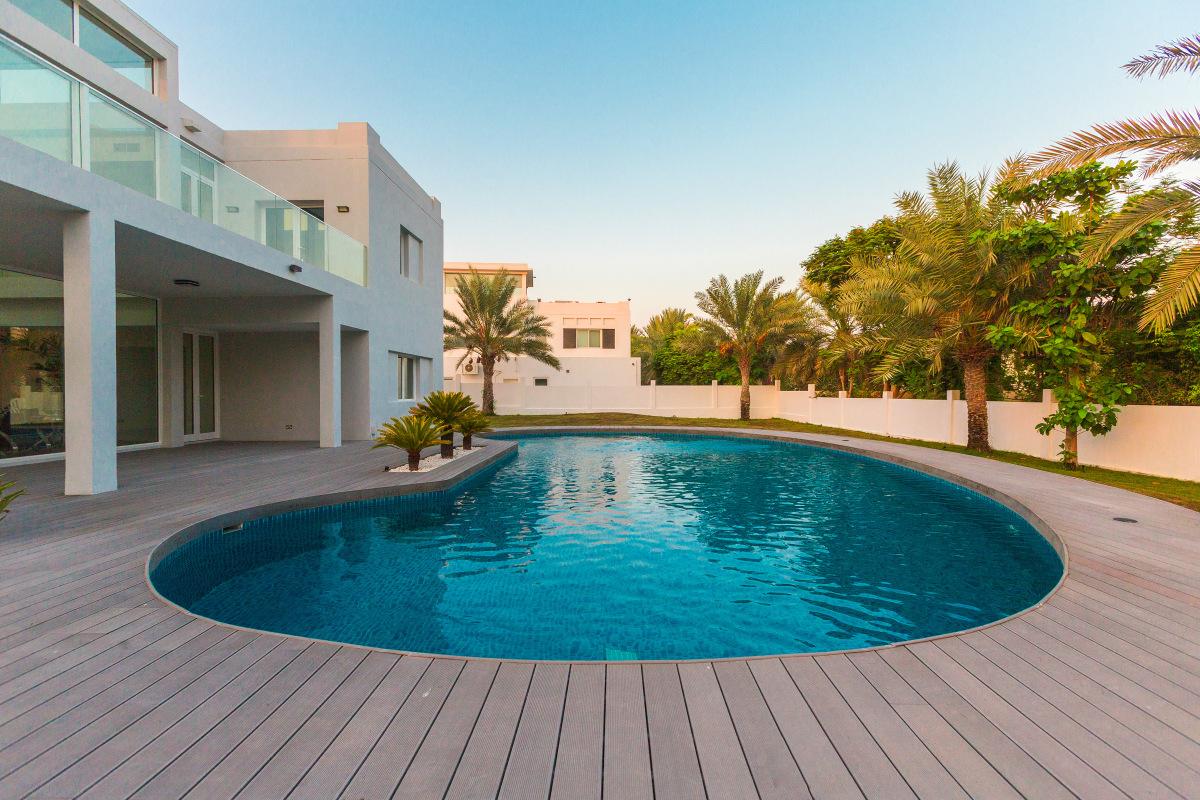 Huge Plot   Upgraded   Family Home Villa