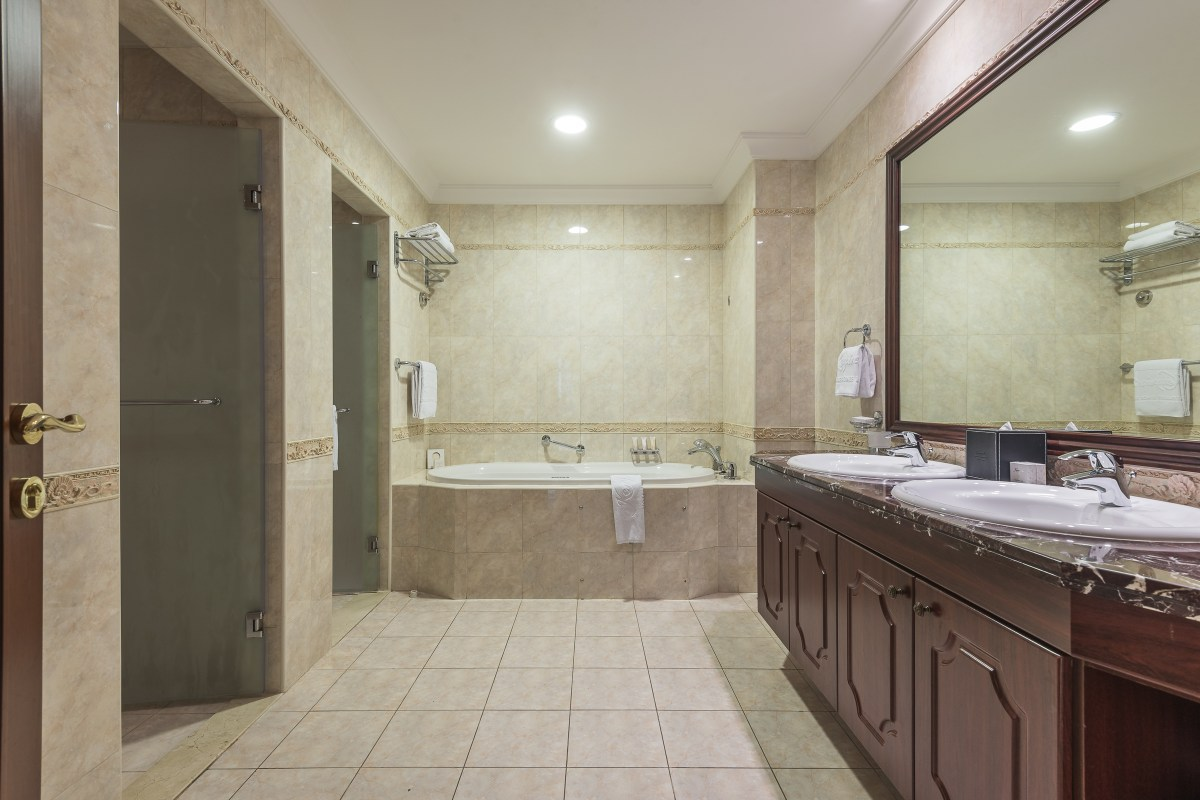 Simplex Penthouse in Kempinski Residence
