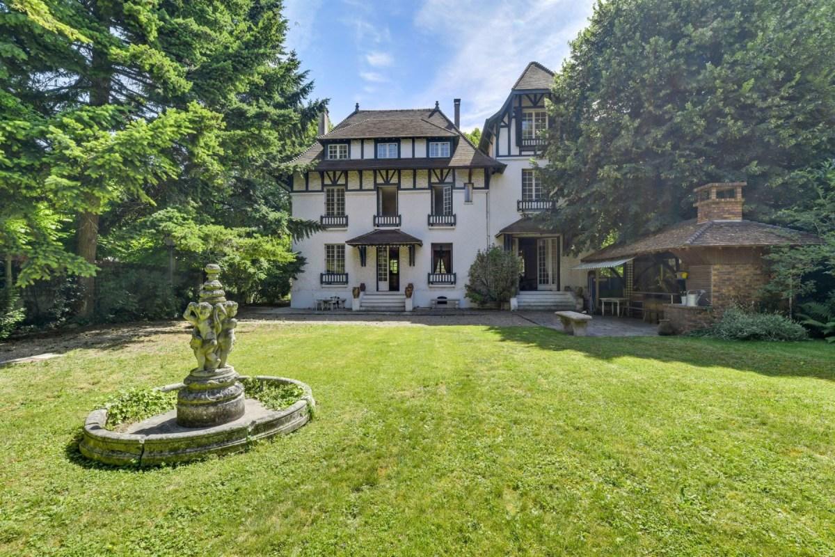Architecte La Varenne St Hilaire superb house in la varenne saint-hilaire | gulf sotheby's