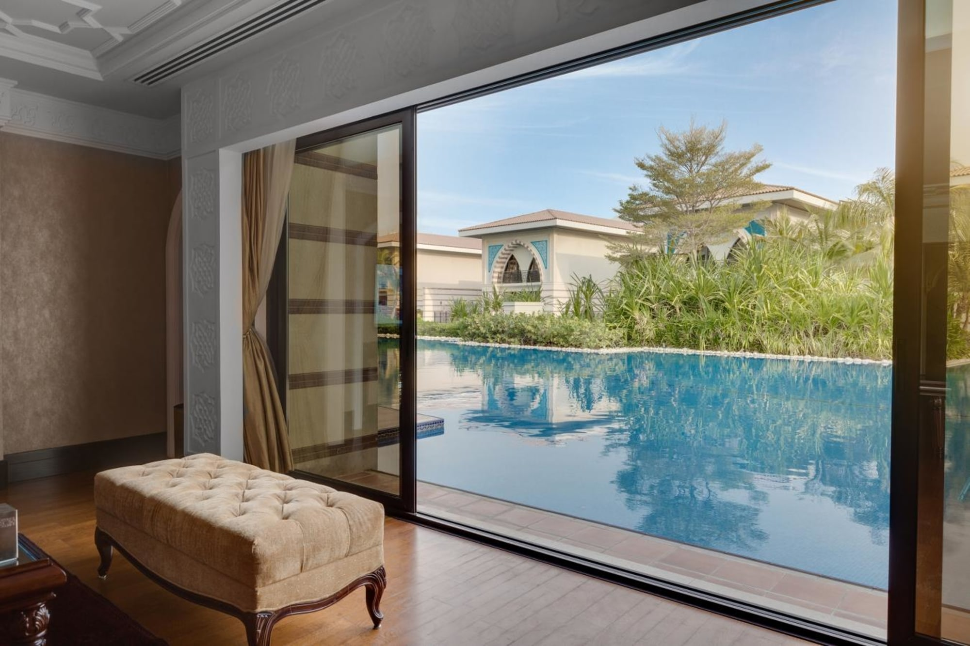 Amazing 5 Bedroom Villa with Lagoon View