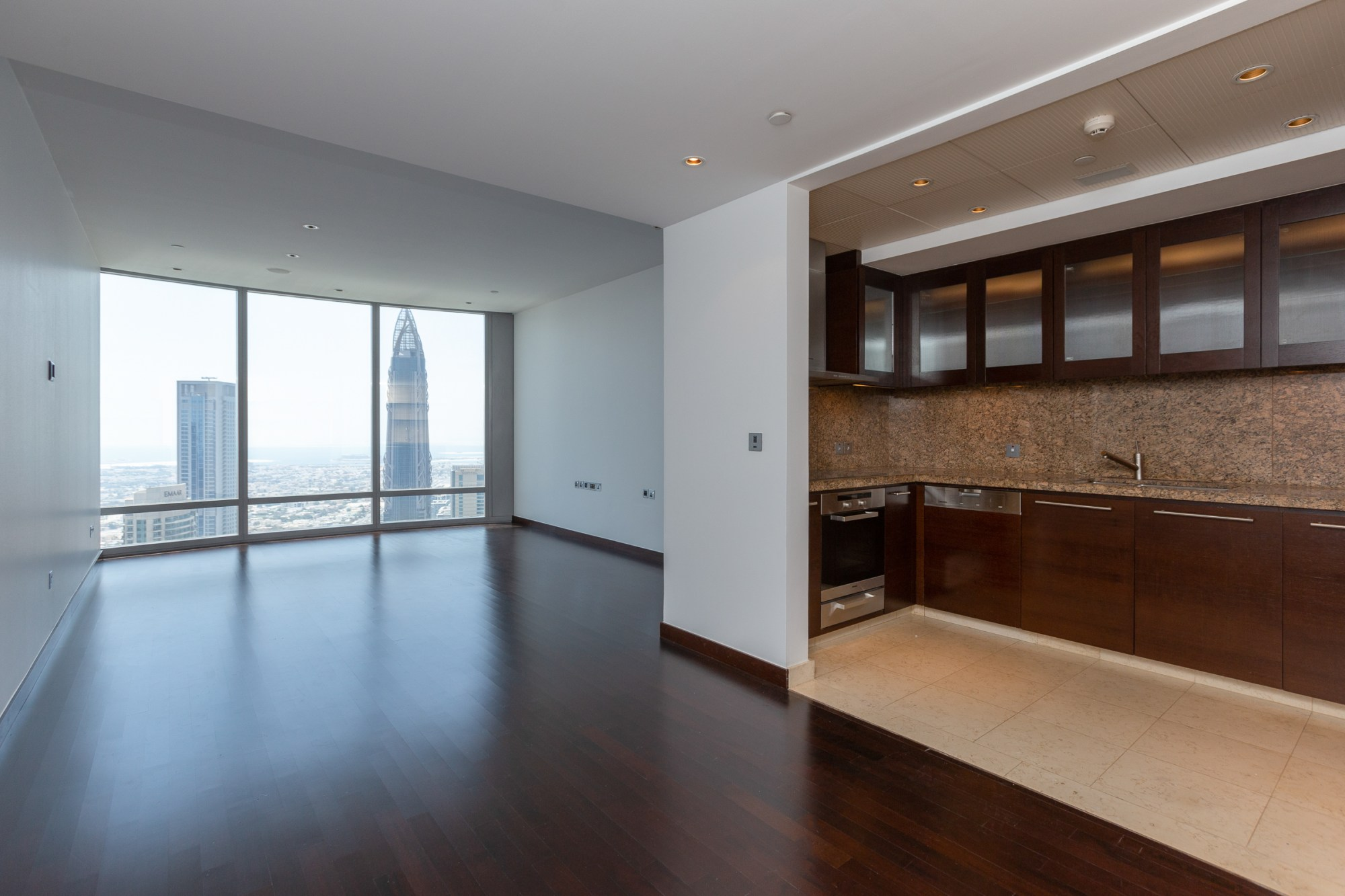 Largest One Bedroom   Sea View   Vacant