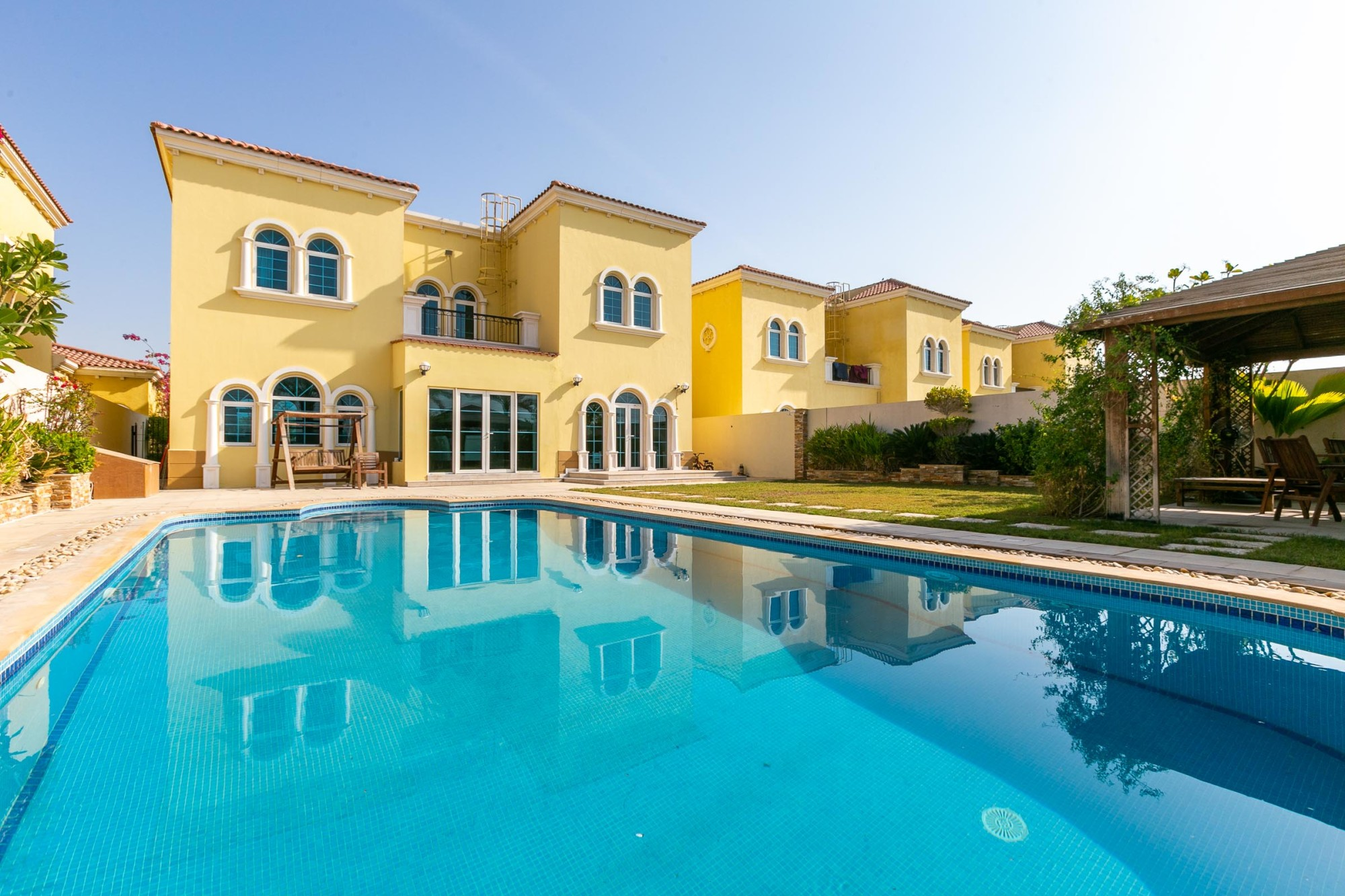 Immaculate Extended 3 Bed | Private Pool